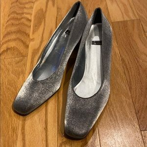 Stuart Weitzman 90s canvas heels Anna in Pewter